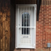 16mm steel bar gate fitted by Alexandra Locksmiths (closed)